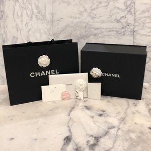 ef7c1671a6e662 BRAND NEW, MINT 2018 Authentic Chanel Box Gift Set